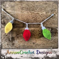 """Annoo's Crochet World: Free Crochet Christmas Ornament Garland Pattern Great for little fingers, no danger of them breaking on the tree or being """"hot"""" to touch. The bulbs alone would make great earrings too. Crochet Ornament Patterns, Crochet Snowflake Pattern, Crochet Ornaments, Christmas Crochet Patterns, Crochet Snowflakes, Crochet Crafts, Crochet Projects, Free Crochet, Crochet Granny"""
