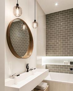 salle de bain deco carrelage métro gris blanc et bois
