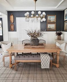 Design Dining room décor for every home be it a farmhouse or traditional one we have it covered! Table colors chair and lighting all included. Decor, Room Design, Traditional Table, Living Dining Room, Kitchen Room, Dinner Room, Dining Room Cozy, Home Decor, Traditional Dining