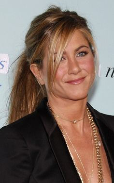 Jennifer Aniston Hairstyles 2009 l www.sophisticatedallure.com