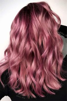 Red or Pink Hair Color Tones-Dark Rose Gold Hair. A rose gold hair shade, in its essence, is metallic pinky t. Gold Hair Colors, Ombre Hair Color, Cool Hair Color, Metallic Hair Color, Hair Colours, Rose Gold Hair Colour, Trendy Hair Colors, Cute Hair Colors, Cabelo Rose Gold