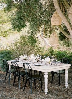 The ultimate in California elegance at this Higuera Ranch barn wedding in San Luis Obispo - 100 Layer Cake Wedding Tables, Wedding Reception, Wedding Venues, Outdoor Furniture Sets, Outdoor Decor, San Luis Obispo, Vintage Love, Place Settings, Big Day