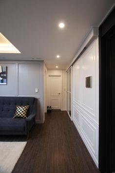 [BY 라움디자인] 안녕하세요. 라움디자인입니다~! 오늘 소개 해 드릴 집은, 서울시 마포구 염리동에 ... Classic House, Space Interiors, House Styles, Living Dining Room, Living Room Modern, House, House Interior, Interior Architecture, Doors Interior