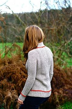 Ravelry: monte rosa pattern by Isabell Kraemer. I love this design. I very much have to knit this! Ravelry, Vogue, Christmas Knitting Patterns, Red Heart Yarn, Arm Knitting, Pullover, Couture, Knit Crochet, One Piece