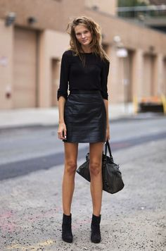 pu-skirt-with-ankle-boots.jpg (493×745)