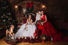 Eva Poleschinski ist international erfolgreich, viele Prominente lieben ihre Roben und ihren außergewöhnlichen Sinn für Materialmix, Individualität und Extravaganz. Vielseitig wie sie ist, kreierte sie u.a. im Vorjahr eine Hochzeitsmantel Kollektion für Vossen und 2020 die Krönchen für die Grazer Opernredoute. Roben, Models, Interview, Wedding, Fashion, Couture Dresses, Templates, Valentines Day Weddings, Moda