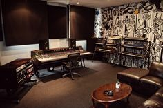 Studio 6   Studios 301 Sydney is the largest of the 301 group of studios, comprising of two large-format recording studios, 11 production studios, three mastering rooms and two workshops, with a roster of engineers and producers working in most music genres.