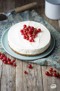 https://www.vegolosi.it/ricette-vegane/torta-allo-yogurt-fredda-al-cocco-senza-cottura/