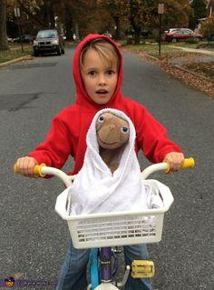 Elliot and E.T. - DIY Halloween Costume Idea