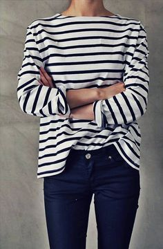 Striped boatneck tee + jeans. A classic combo.