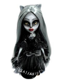 monster high ooak doll customized werecat reroot door Saijanide