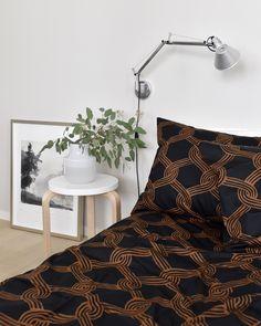 Makuuhuone / Scandinavian Bedroom. Marimekko Sulhasmies.