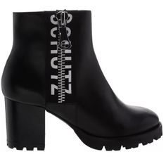ANKLE BOOT TRATORADA LOGO BLACK Look Legging, Black Boots, Booty, Ankle, Shoes, Fashion, Chunky Heels, Swag, Zapatos