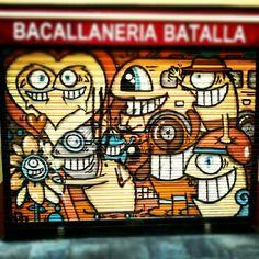 Reel big fishes #streetart #graffiti #gràcia #barcelona Photo by novoldirno • Instagram