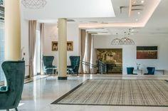 Hotel Arche położony jest w Częstochowie, 2 km od dworca PKS. Oferuje on bar, restaurację oraz centrum konferencyjne.