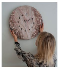 Resin Wall Art, Diy Resin Art, Epoxy Resin Art, Diy Resin Crafts, Diy Epoxy, Stick Crafts, Wall Clock Art Deco, Wall Clock Design, Unique Wall Clocks