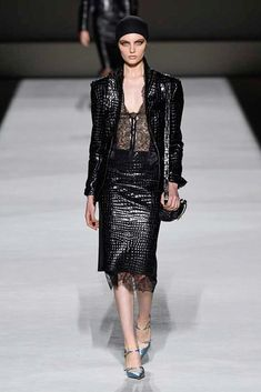c1e58df7021c9 Tom Ford Spring 2019 Ready-to-Wear Collection - Vogue Tom Ford, Sequin