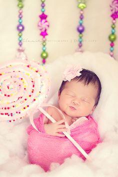 Christmas newborn girl photography