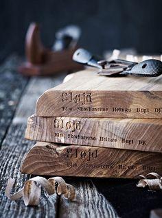Coole typografie op hout, stijlvol, compositie