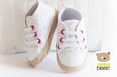 Romantyczne niemowlęce buciki trampeczki r18(11cm)