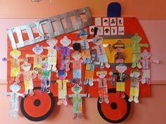 Thema Brandweer door Nancy van de BSO in België Firefighter, Ambulance, Preschool, Christmas Ornaments, Kids, Crafts, Education, Volunteer Firefighter, Transportation