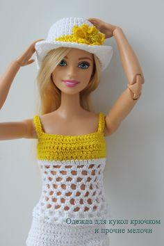 На улице опять дождь и холод, но у нас летнее.. | Одежда для кукол крючком и прочие мелочи | VK Knitting Dolls Clothes, Crochet Barbie Clothes, Crochet Dolls, Barbie Top, Barbie And Ken, Barbie Dress, Barbie Patterns, Doll Clothes Patterns, Clothing Patterns