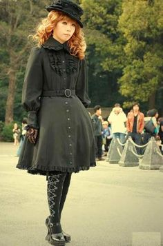 lolita asian style clothes | Japanese Harajuku Fashion: Gothic Lolita Fashion