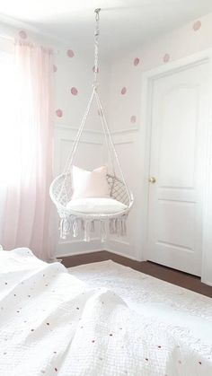 Sweet chairs for my room Sweet chairs for my . - Sweet chairs for my room Sweet chairs for my room - Cute Bedroom Ideas, Cute Room Decor, Teen Room Decor, Room Ideas Bedroom, Bedroom Couch, Swing In Bedroom, Bedroom Decor For Teen Girls Dream Rooms, Tween Room Ideas, Hammock Chair For Bedroom