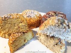 Bloemkoolbroodjes, mooi en verrukkelijk!   KoolhydraatarmRecept.nl Tasty Bread Recipe, Healthy Bread Recipes, Real Food Recipes, Low Carb Bread, Keto Bread, Low Carb Lunch, Bread Cake, Quick Bread, Good Food