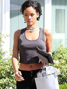 Rihanna Cuts Her Hair Super-Short – Style News - StyleWatch ...