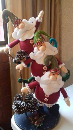 Santa with Reindeer Inner Tube Ornament Polymer Clay Christmas, Felt Christmas Ornaments, Christmas Gnome, Diy Christmas Gifts, Christmas Holidays, Nutcracker Christmas, Crochet Christmas, Christmas Fashion, Halloween Applique