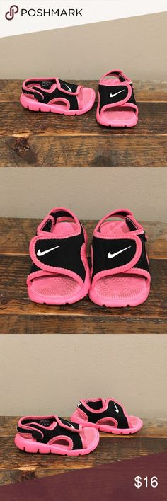Nike Sandals sz 4C Excellent condition, toddler size 4. Please check out my closet for more awesome kids items! Save by bundling 😎 Nike Shoes Sandals & Flip Flops