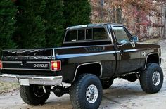 BLACK Chevy 4x4 square body mmmmhmmm I have another one