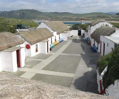 Doagh Famine Village offers a large selection of life size attractions portraying life in Ireland from the until the present d - Please Like & Share Ireland With Kids, Stuff To Do, Things To Do, Donegal, Days Out, Pergola, Outdoor Structures, Places, Life