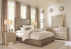 Sofia Vergara Paris Silver 5 Pc Queen Upholstered Bedroom Find affordable Queen Bedroom Sets for your home that will complement the rest of your furniture. Affordable Bedroom Sets, Bedroom Sets For Sale, King Size Bedroom Sets, Queen Bedroom, Master Bedroom, Gray Bedroom, Master Suite, Rooms To Go Bedroom, Pine Bedroom