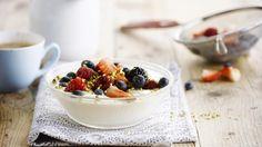 Yoghurt met rood fruit en pistachenootjes | VTM Koken