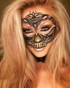 Mini video from last nights look of my lace skull  Playing with makeup so decided to do a Lace skull  Products: Eyes: @wonderlandmakeup loose pigment in 24k with @meltcosmetics unseen shadow Mask: @sigmabeauty wicked gel liner  Brushes: @sigmabeauty.  Lashes: @eylureofficial in #141 #skull #lace #mask #amazingmakeupart #wonderlandmakeup #sigmabeauty