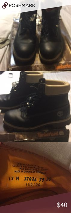 Men's Timberlands size 13 Navy/White Men's Timberland size 13 Navy blue and beige/white boots. Genuine leather upper leather and man made linings, man made outsole, guaranteed waterproof Timberland Shoes Boots