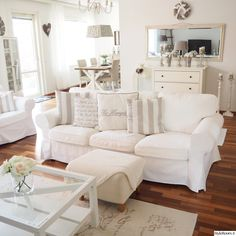 Ektorp sofa in a vintage-style living room - Zimmer - Home Sweet Home Ikea Living Room, Shabby Chic Living Room, Farm House Living Room, Ikea Ektorp Sofa, Living Room Designs, Chic Living Room, Living Room Sofa, Living Room Furniture, Room Decor