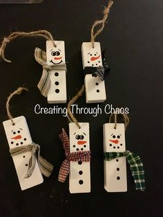 Maybe a paint yourself? Christmas Ornament Crafts, Christmas Ornaments To Make, Homemade Christmas, Diy Christmas Gifts, Rustic Christmas, Holiday Crafts, Christmas Holidays, Snowman Ornaments, Snowmen