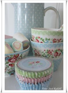 Greengate bowls and cupcake wrappers