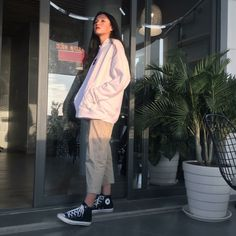 How often do you run across something fabulous, that influences your style? See something you love? Then, shop the pieces our editors are praising right now. Boyish Outfits, Teen Fashion Outfits, Retro Outfits, Mode Outfits, Grunge Outfits, Cute Casual Outfits, Vintage Outfits, Korean Street Fashion, Asian Fashion