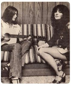 Jazz, Hi-Fi, & Everything Nice! — vintageinherdream:  Emmy Lou Harris & Linda...