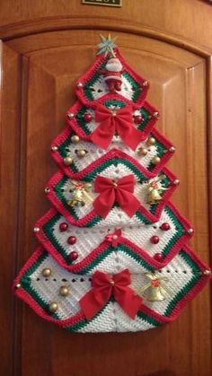 Vintage Granny Square Christmas Tree Free Crochet Pattern-VMagnificent DIY Christmas Trees Ideas For Home Decor 34 - SalvabraniRed white green door - Design by Hülya Coşkun -My crocheted gingerbread tree. Crochet Christmas Decorations, Crochet Christmas Ornaments, Holiday Crochet, Christmas Knitting, Christmas Patterns, Christmas Patchwork, Red Ornaments, Christmas Bells, Diy Christmas