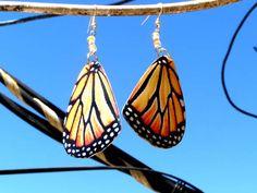 Brinco - Asas de borboleta Tamanho: grande Comprimento 8,5 cm Cor: Laranja, Amarelo, Preto, Branco R$ 24,99