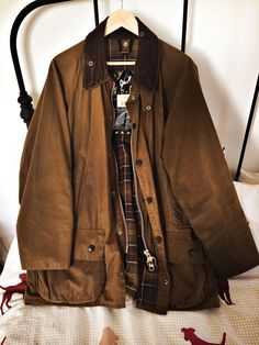 A repository of all things bucolic. Barbour Jacket Mens, Leather Jacket, League Of Extraordinary Gentlemen, Wax Jackets, British Style, Tweed, Winter Fashion, Winter Jackets, Style Inspiration