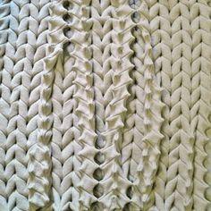 Création de Françoise Tellier-Loumagne  #SalonRevelations #metiersdart #finecraft #handmade #faitmain #handcrafted #madeinfrance #couturefashion #textile #textileart #textiledesign #designtextile #textiledesigner #fiberartist #fiberart #fibers #contemporain #couture