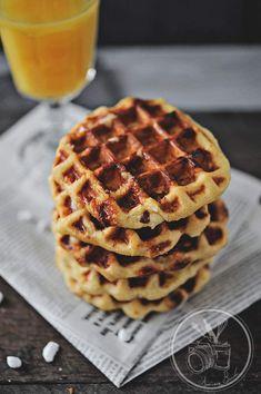 Gaufres liegeoises - Amuses bouche Guacamole Recipe Easy, Homemade Guacamole, Cupcake Frosting, Beignets, Pavlova, Street Food, Tiramisu, Muffins, Easy Meals