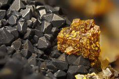 Bariopharmacosiderite, BaFe+++4(AsO4)3(OH)5•5(H2O), Clara Mine, Oberwolfach, Black Forest, Baden-Württemberg, Germany. FOV=4 mm. Photo Kainosit