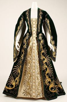 Old Rags - Court dress, ca 1900 Russia, the Met Museum